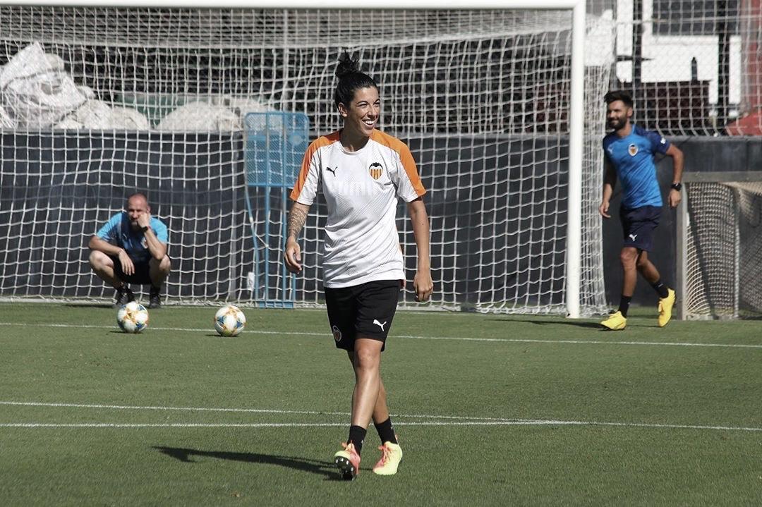 """Marta Carro: """"Lo importante es que cuando dé el pistoletazo de salida la liga, nosotras estemos al 100%"""""""