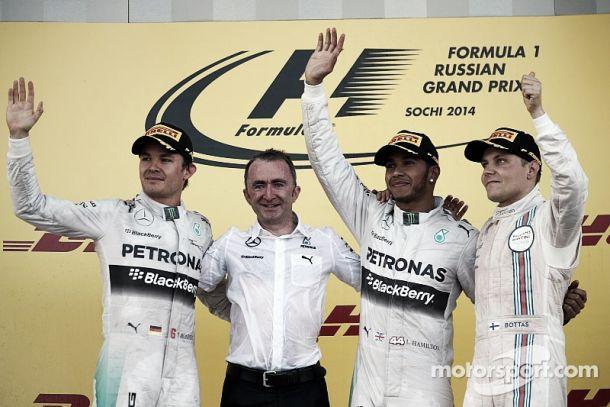 Hamilton vence GP da Rússia e dá pimeiro título de construtores à Mercedes