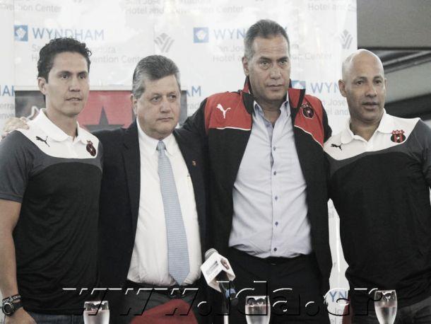 Hernán Torres y sus asistentes fueron presentados en la Liga Deportiva Alajuelense