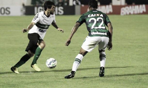 De virada, Chapecoense vence Coritiba na abertura do Campeonato Brasileiro