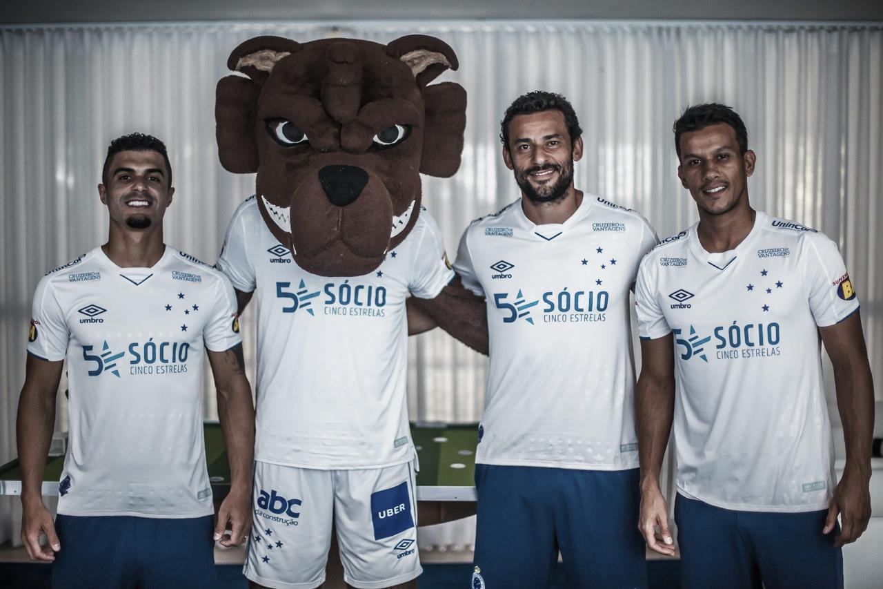 Cruzeiro divulga nova camisa para temporada 2019