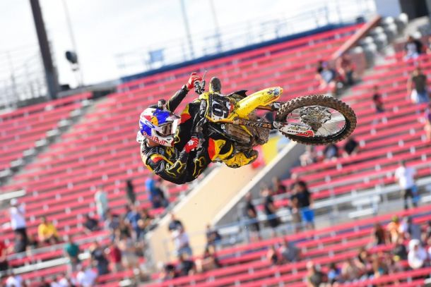 Supercross: Roczen Wins Overall At Monster Energy Cup