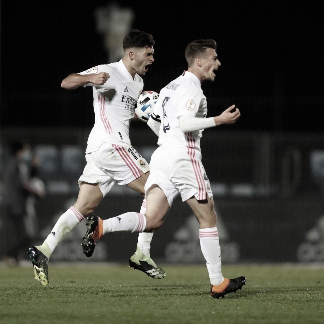 Hugo Duro y Antonio Blanco celebran el 1-1 ante el Navalcarnero; minutos después, el marcador sería de 3-1 para los blancos | Fuente: @lafabricacrm (Twitter)