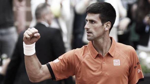 Mesmo com dores, Novak Djokovic vence Gilles Muller com tranquilidade em Roland Garros