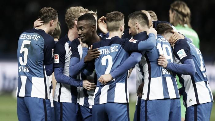 Kalou marca hat-trick e Hertha Berlin vence Gladbach com um a mais