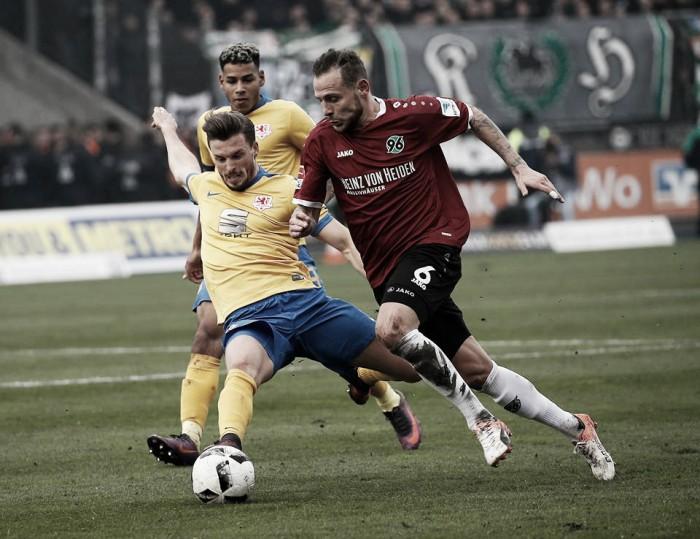 Em jogo de quatro gols, Braunschweig e Hannover empatam no Niedersachsen-Derby
