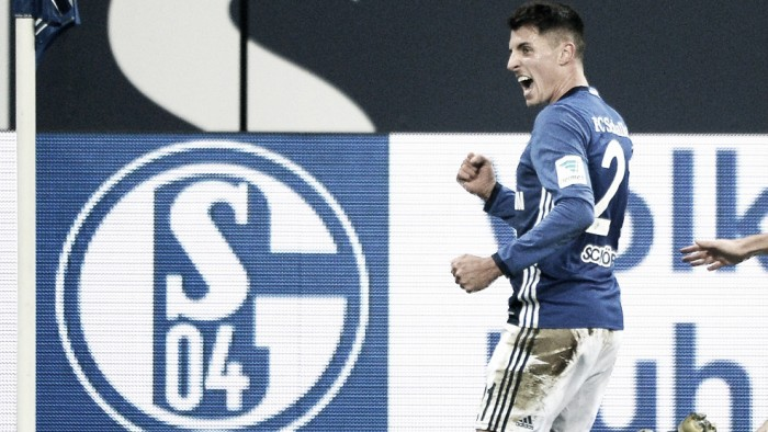 Com dois de Schöpf, Schalke 04 bate Werder Bremen e respira na classificação