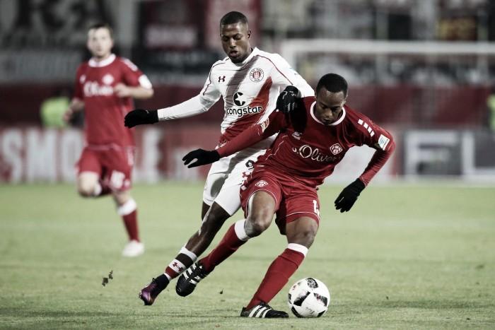 Contando com gol contra, Würzburger Kickers vence e afunda o St. Pauli