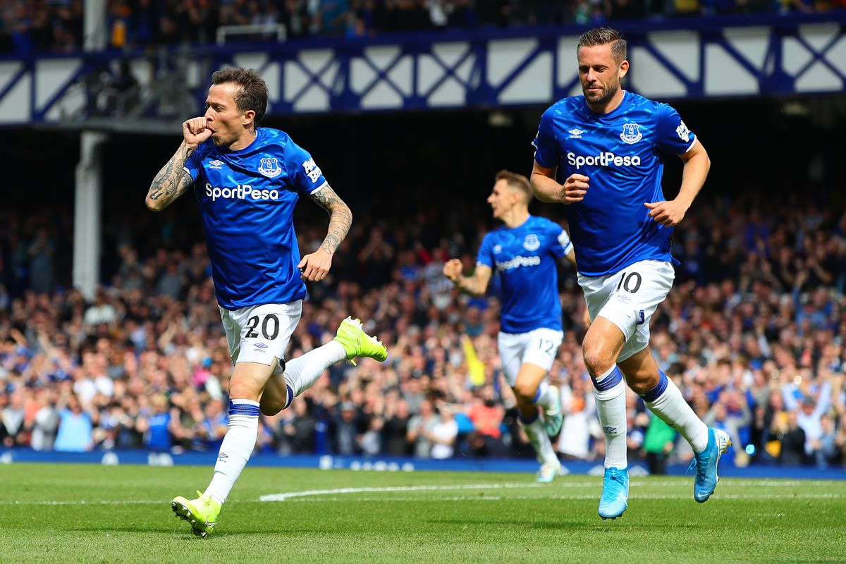 Everton 1-0 Watford: Hornets rue missed chances at Goodison