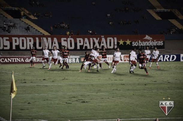 Pré-jogo: CRB e Atlético-GO se enfrentam para eliminar chances matemáticas de rebaixamento