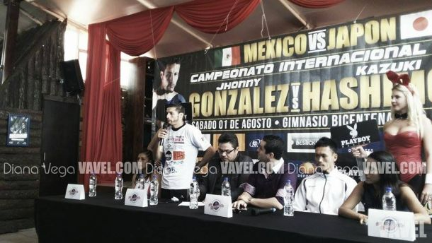Jhonny González, en busca del campeonato Súperpluma