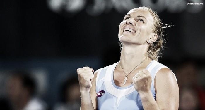 Svetlana Kuznetsova conquista vitória surpreendente em cima de Radwanska no WTA Finals