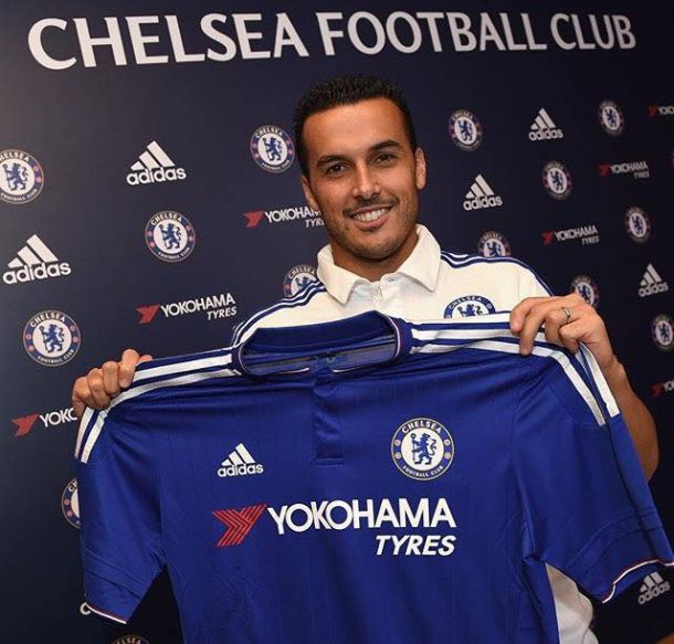 Pedro rejoint Fabregas à Londres