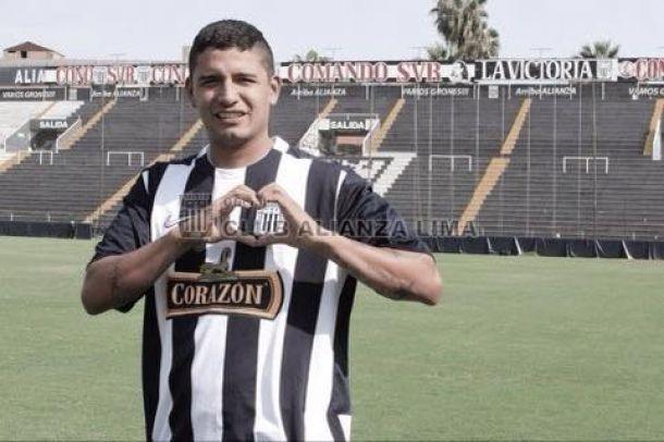 Reimond Manco fue presentado como refuerzo de Alianza Lima