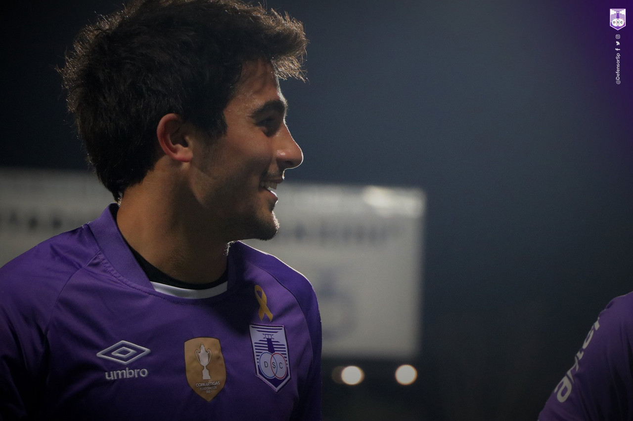 Defensor Sporting anuncia venta de Vicente Poggi a Necaxa