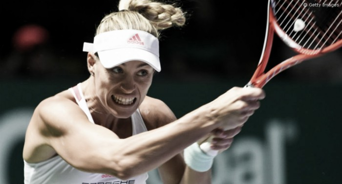 Angelique Kerber domina Halep na segunda rodada do WTA Finals