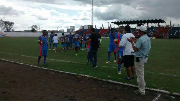 Universitario ganó en el último minuto