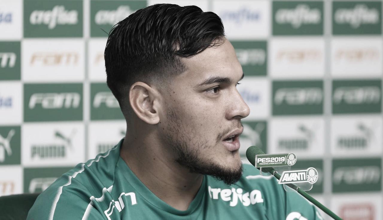 """Gustavo Gómez fala sobre rodízio do Palmeiras e afirma:""""Todo mundo quer jogar um clássico"""""""