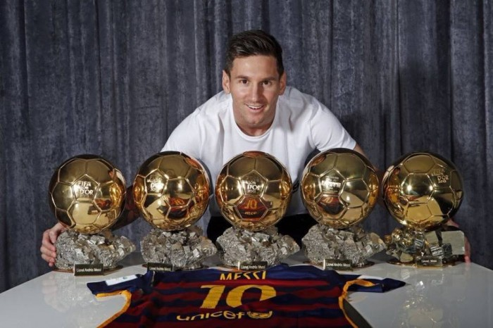 """Spagna, Messi giura fedeltà al Barcellona: """"Questa è casa mia"""""""