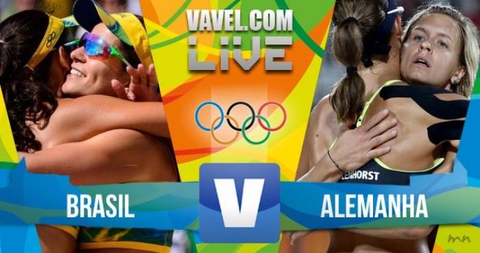 O Brasil perdeu a final do vôlei feminino e alcançou a medalha de prata