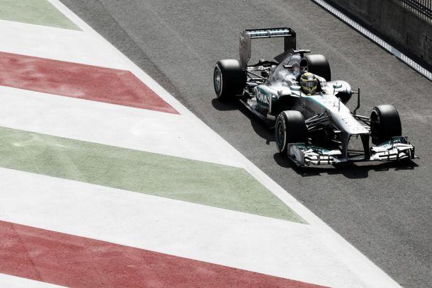 FP1 do GP de Itália: Hamilton sem concorrência