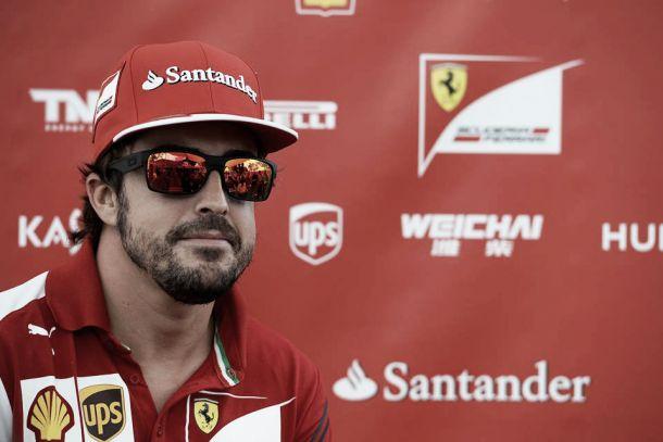 FP1 do GP de Singapura: Alonso lidera