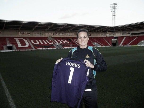 Nicola Hobbs pens new Doncaster Belles deal