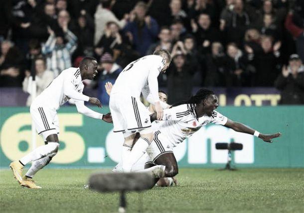 Lo Swansea vola di rimonta: è 2-1 contro l'Arsenal