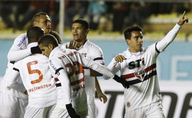 São Paulo ensaia goleada, mas sofre com altitude e perde para o Bolívar