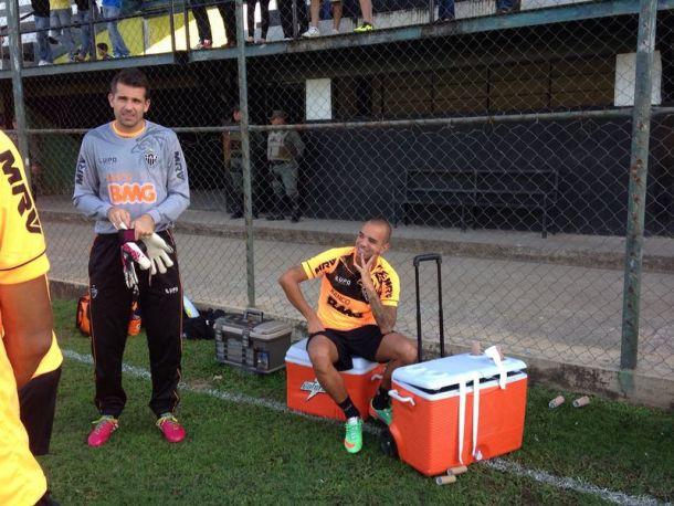 Paulo Autuori trabalha o Galo para a estreia na Libertadores