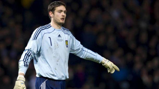 Gordon Completes Celtic Move