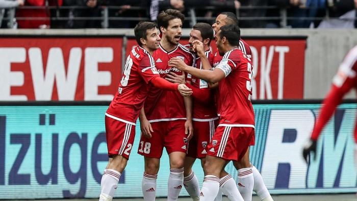 Frankfurt joga mal e acaba sendo derrotado pelo Ingolstadt em casa