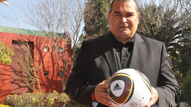 Ídolo no país, Chilavert faz duras críticas à seleção paraguaia e ao Roque Santa Cruz