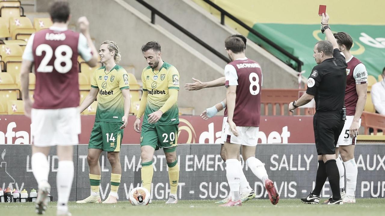 Jogador que tossir de forma deliberada em adversário ou árbitro poderá ser expulso na Premier League