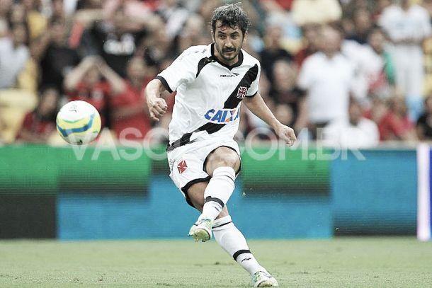 Após saída de Felipe e Juninho, Douglas assume papel de maestro