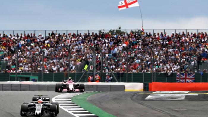 Formula 1, Vettel domina i test: