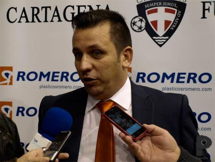 """Guillamón: """"Toca felicitar al equipo por el rendimiento, pero hay que ir con cabeza"""""""