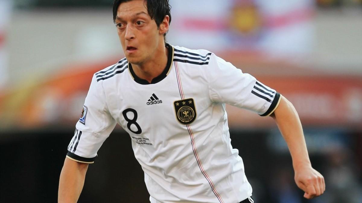 Mesut Özil quitte la Mannschaft et tacle la fédération allemande. (Crédit Photo FIFA.com)