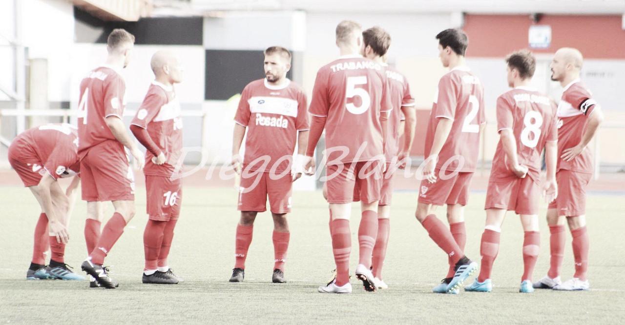 Los futbolistas del Marino , en un encuentro de esta temporada. Foto: Diego Blanco, VAVEL.