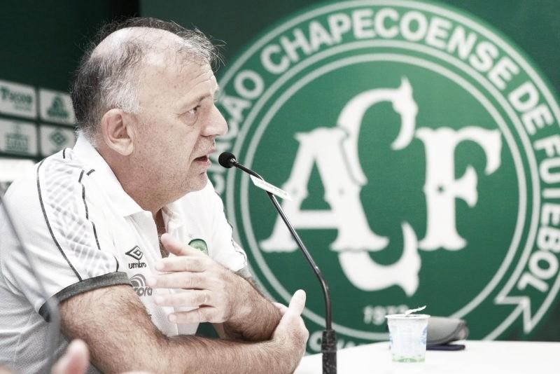 Presidente da Chapecoense é internado na UTI com Covid-19