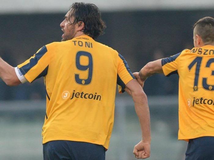 Il Verona alza i Toni e si prende il Derby dell'Arena: 3-1 al Chievo
