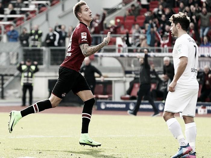 Nuremberg volta a vencer depois de quatro jogos e supera Arminia Bielefeld