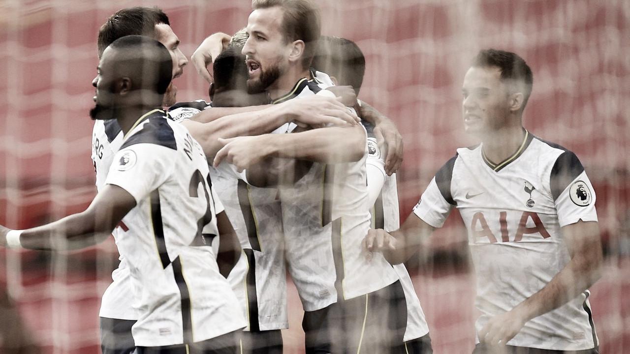 Tottenham não toma conhecimento do Manchester United e aplica goleada histórica