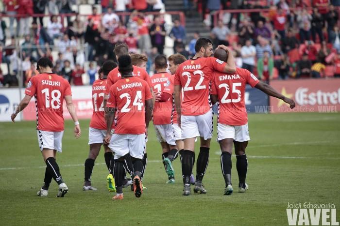 Nàstic y Córdoba empatan en una oda al fútbol