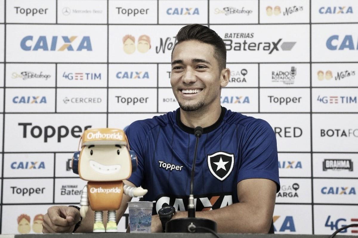 """Jean reconhece oscilação do Botafogo no início de ano e projeta: """"Vamos buscar um bom nível"""""""