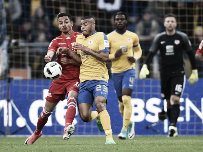 Braunschweig vence Union Berlin, tira rival do acesso e garante Stuttgart na elite alemã