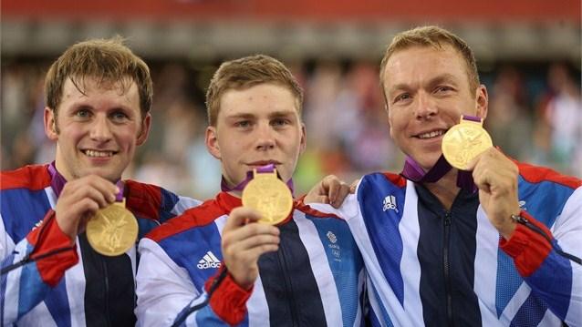 Ciclismo en pista. Gran Bretaña y Alemania dominan la velocidad por equipos