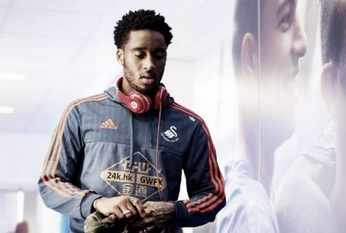 Leroy Fer keen to stay at Swansea