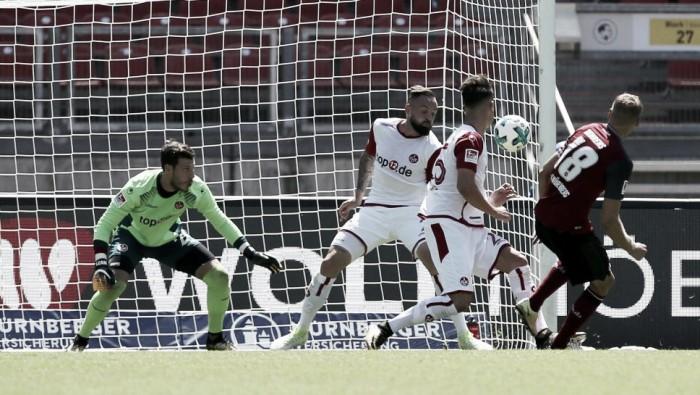 Com falha do goleiro Marius Müller, Nuremberg derrota Kaiserslautern na 2. Bundesliga