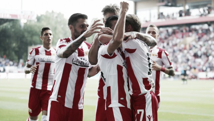 Em jogo com sete gols e duas viradas, Union Berlin vence Holstein Kiel e segue invicto